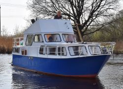 Succes Fly, Motor Yacht  for sale by Jachtbemiddeling Heeresloot B.V.