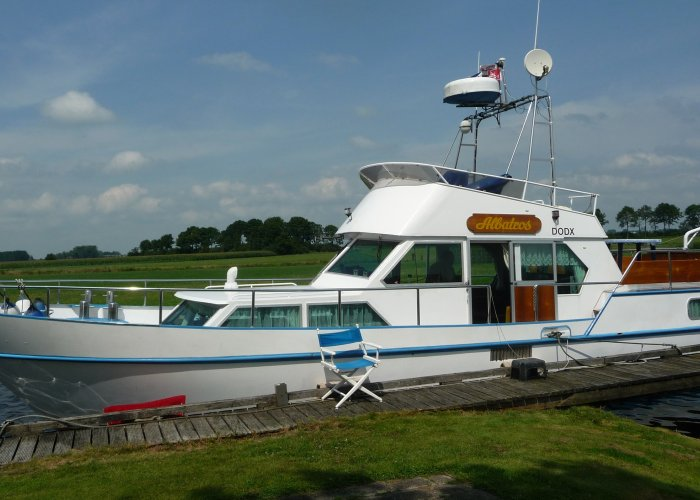 , Motorjacht  for sale by Sailing World Lemmer NL / Heiligenhafen (D)