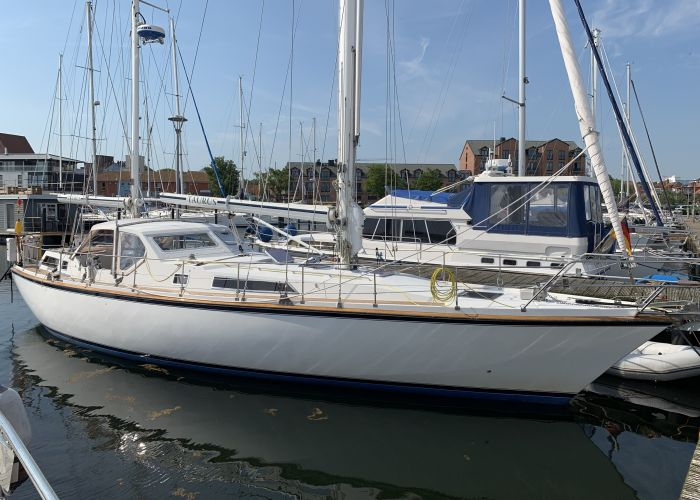 Amel Mango, Zeiljacht  for sale by Sailing World Lemmer NL / Heiligenhafen (D)