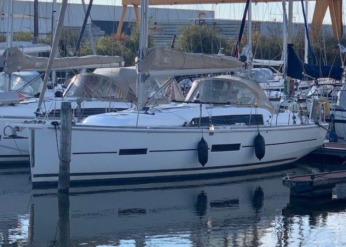 Dufour 382 GL, Segelyacht  for sale by Sailing World Lemmer NL / Heiligenhafen (D)