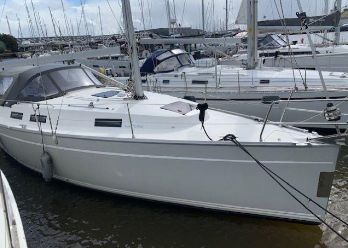 Bavaria 32 Cruiser Avantgarde, Segelyacht  for sale by Sailing World Lemmer NL / Heiligenhafen (D)