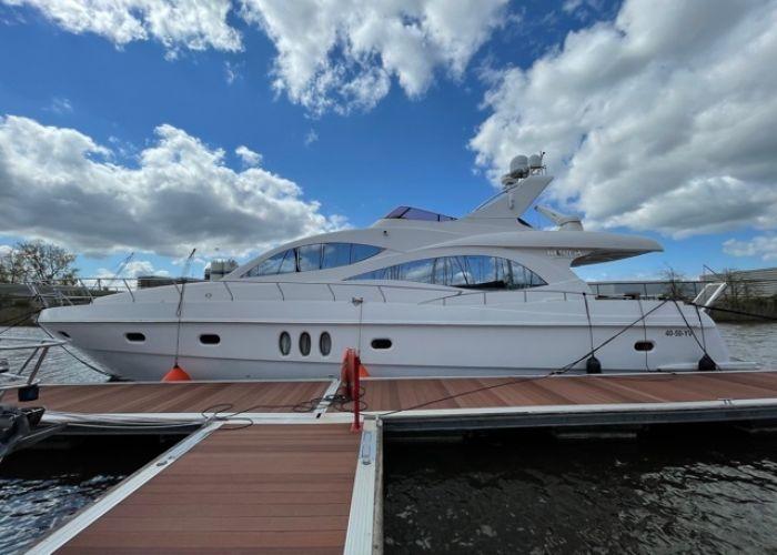 Majesty 66, Motorjacht  for sale by Sailing World Lemmer NL / Heiligenhafen (D)
