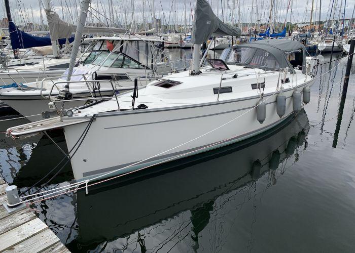Bavaria Cruiser 32, Segelyacht  for sale by Sailing World Lemmer NL / Heiligenhafen (D)