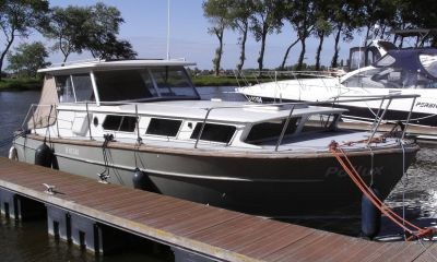 Polyboat 900, Motor Yacht  for sale by Bootveiling.com