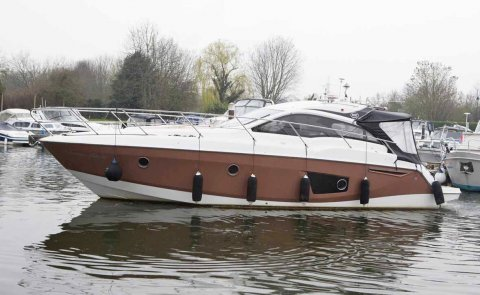 Sessa C38, Speedboat and sport cruiser for sale by Boarnstream Yachting