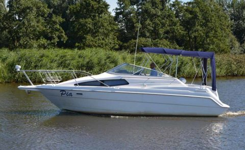 Bayliner 2655 Ciera, Speedboat and sport cruiser for sale by Boarnstream Yachting