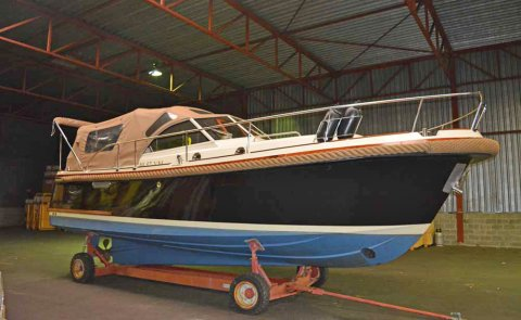 Intercruiser 29, Tender for sale by Boarnstream Yachting