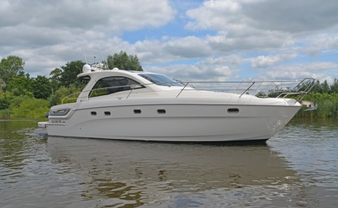 Bavaria Sport 43 HT, Speed- en sportboten for sale by De Boarnstream International Motoryachts
