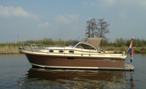 Intercruiser 34, Motor Yacht for sale by Boarnstream Yachting