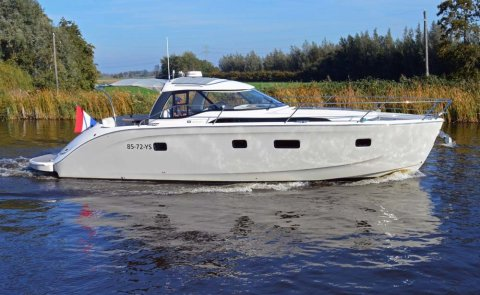 Bavaria Deep Blue 46 Open / Sporttop, Speedboat and sport cruiser for sale by Boarnstream Yachting