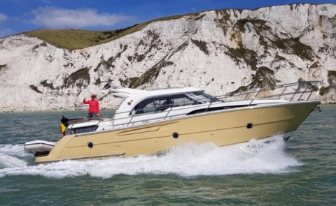 Marex 370 Aft Cabin Cruiser, Motor Yacht for sale by De Boarnstream International Motoryachts