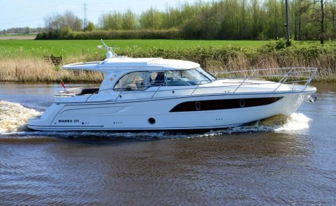 Marex 375, Motorjacht for sale by De Boarnstream International Motoryachts