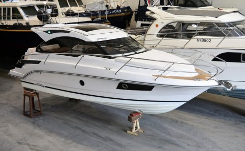 Grandezza 28 OC, Motor Yacht for sale by Boarnstream Yachting