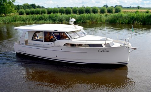 Greenline 33 OK, Motor Yacht for sale by Boarnstream Yachting