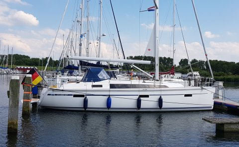 Bavaria Cruiser 37 Blue Line, Sailing Yacht for sale by Boarnstream Yachting