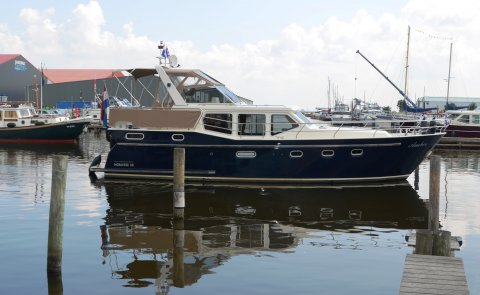 Noblesse 38 Cruiser, Motor Yacht for sale by Boarnstream Yachting