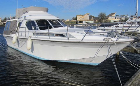 Powles 36 Fly (Princess Yachts), Speedboat and sport cruiser for sale by Boarnstream Yachting