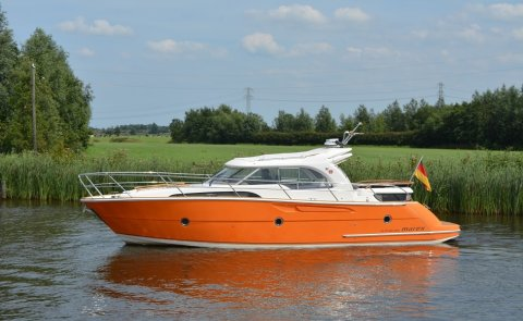 Marex 370 ACC Inkl. Andere Rompkleur, Speedboat and sport cruiser for sale by Boarnstream Yachting