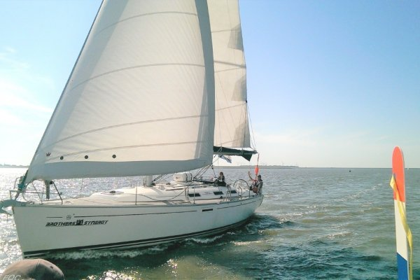 Dufour Grand Large 385