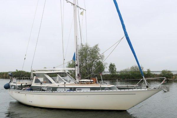 Coronet Elvstrom 38