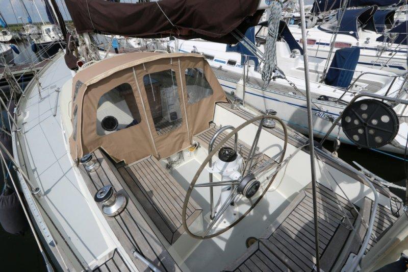 [Imagen: image.php?yacht=95092&bid=142&fileName=6...y=100&.jpg]