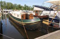 Zeilschip Tjalk, Plat- en rondbodem, ex-beroeps zeilend