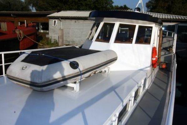 VAREND WOONSCHIP Kotter - € 65.000 - Boot details   YachtFocus.com