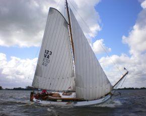 Wylde Hittje Lemsteraak Roefaak, Flach-und Rundboden  for sale by Chris Beuker Maritiem