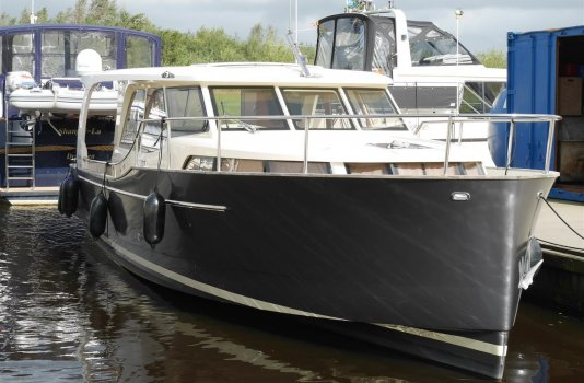 Greenline 33, Motoryacht for sale by Smelne Yachtcenter BV
