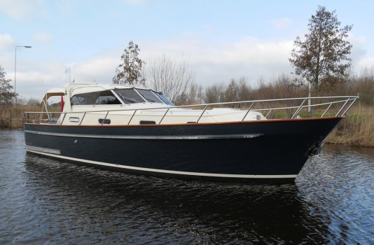 Tryvia 1100 Cabrio, Motoryacht for sale by Smelne Yachtcenter BV