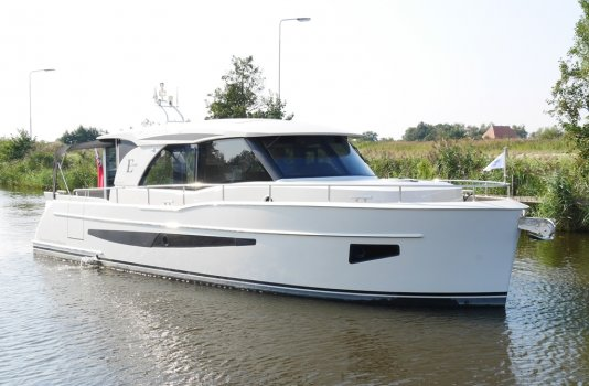 Boarncruiser 1100 Elegance Sedan, Motorjacht for sale by Smelne Yachtcenter BV