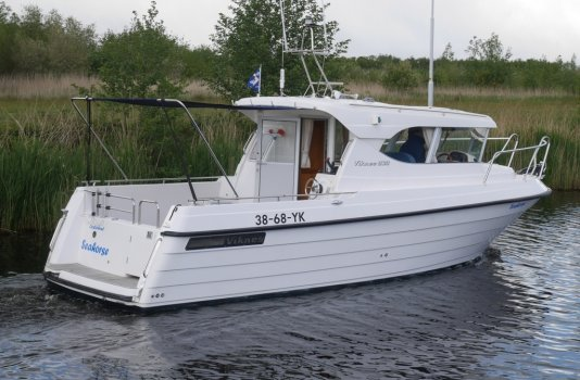 Viknes 830, Motorjacht for sale by Smelne Yachtcenter BV