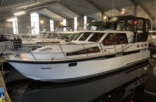 Succes 108 Sport, Motorjacht for sale by Smelne Yachtcenter BV