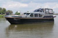 Vripack Classic Cruiser 46, Motor Yacht