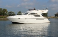 Fairline Phantom 38, Motorjacht