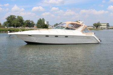 Regal 400 Commodore, Motor Yacht for sale by Sleeuwijk Yachting