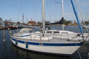 Hallberg Rassy 352