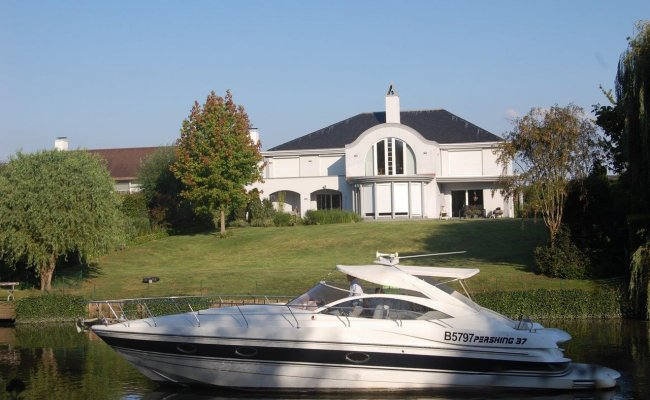 Pershing 37, Open boat and rowboat for sale by Ocean's 500