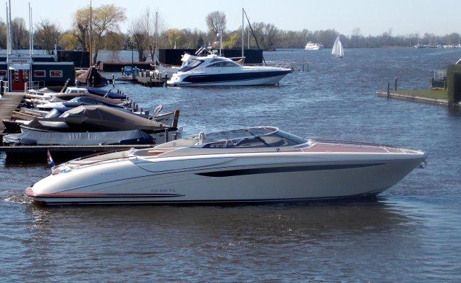 Riva 44 Rivarama, Motor Yacht for sale by Ocean's 500
