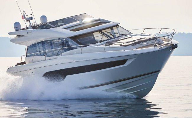 Prestige 630 S, Motor Yacht for sale by Ocean's 500