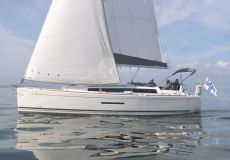 Dufour 380 Grand Large, Zeiljacht  for sale by White Whale Yachtbrokers