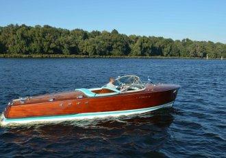 Riva Tritone, Speed- en sportboten Riva Tritone te koop bij White Whale Yachtbrokers