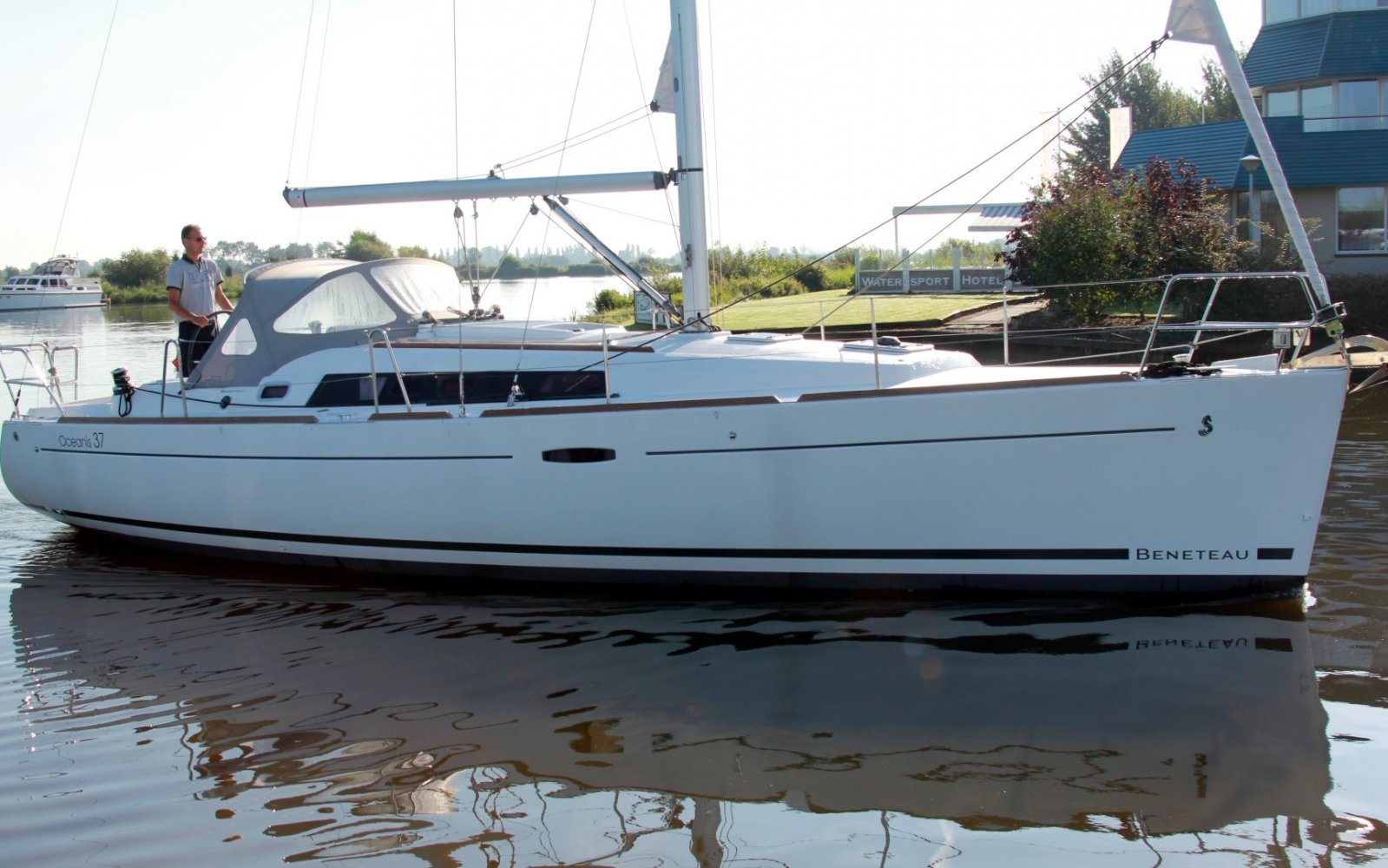 Beneteau Oceanis 37 sailboat for sale | White Whale Yachtbrokers