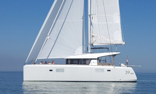 Lagoon 39 Premium, Multihull sailing boat for sale by White Whale Yachtbrokers - Enkhuizen