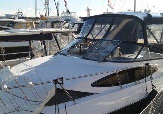 Regal 3060 Window Express, Motorjacht Regal 3060 Window Express te koop bij White Whale Yachtbrokers