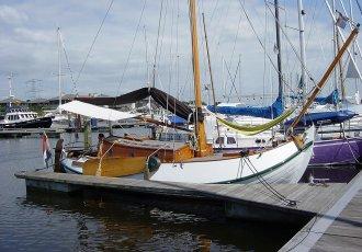 Vollenhovense Bol 8.50 Meter, Plat- en rondbodem, ex-beroeps zeilend Vollenhovense Bol 8.50 Meter te koop bij White Whale Yachtbrokers - Sneek