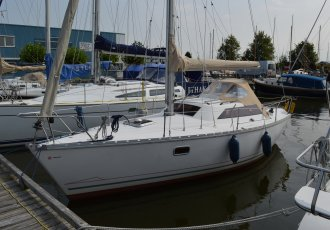 Jeanneau Sunway 27 (midzwaard), Sailing Yacht Jeanneau Sunway 27 (midzwaard) for sale at White Whale Yachtbrokers - Sneek