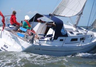 Hanse 315, Zeiljacht Hanse 315 te koop bij White Whale Yachtbrokers - Sneek
