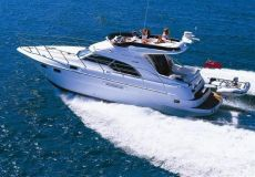 Sealine F43, Motorjacht  for sale by White Whale Yachtbrokers