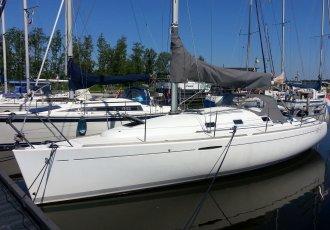 Beneteau First 31.7, Zeiljacht Beneteau First 31.7 te koop bij White Whale Yachtbrokers - Sneek